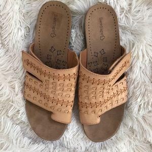 Bare Traps Women's Jeaney open toe slide sandals